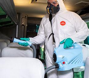 La desinfección de ambientes públicos y residenciales es esencial para prevenir la propagación del coronavirus.